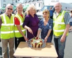 Cutting Cake July 2015